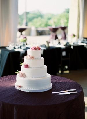 Simple-Elegant-Wedding-Cake
