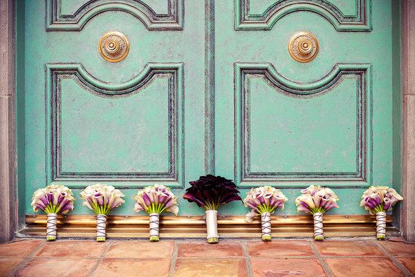 Wrapped-Calla-Bouquets