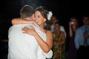 A-Rustic-Barn-Wedding-Dance