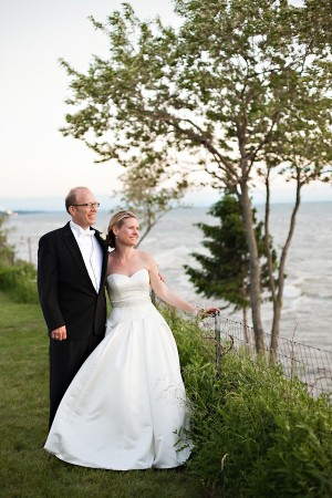 Elegant-Michigan-Waterfront-Wedding-by-Sarah-Postma-Photography-3