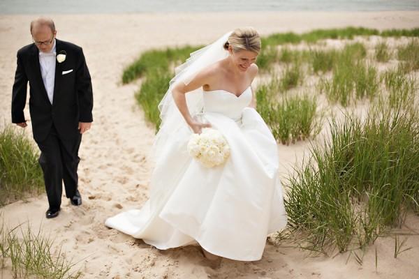 Elegant-Michigan-Waterfront-Wedding-by-Sarah-Postma-Photography-5