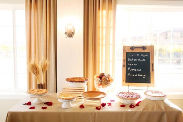 Fresh-Pie-Dessert-Table
