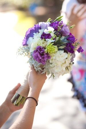 Lisianthus-Hydrangea-and-Sweet-Pea-Bouquet