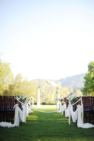 Outdoor-Wedding-Ceremony-Decor