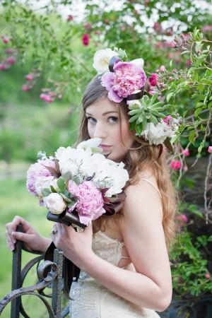 Purple-Green-Elegant-Wedding-Flowers