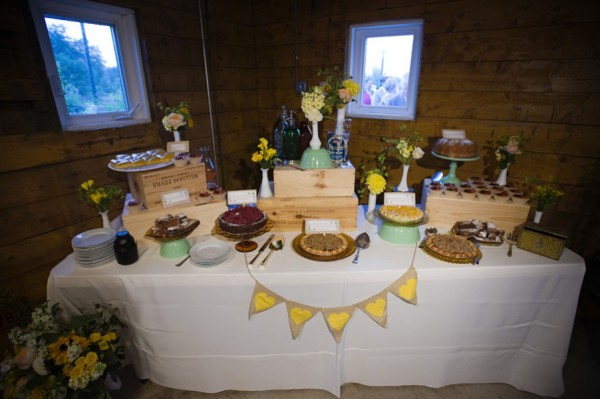 Rustic-Farm-Wedding-Dessert-Table