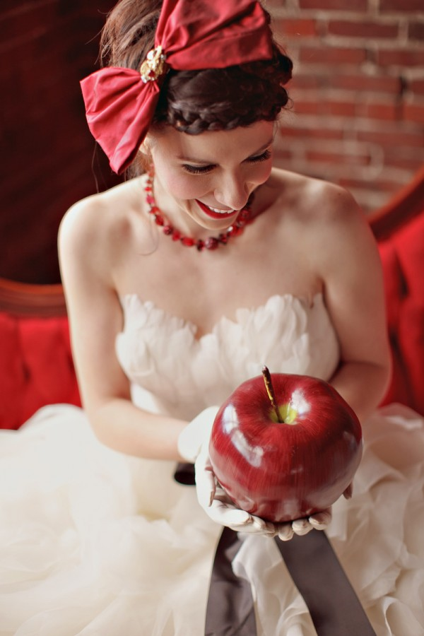 Snow-White-Inspired-Wedding-Shoot-by-SB-Childs-Photography-5