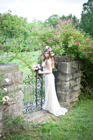 Vintage-Garden-Wedding-Inspiration-7