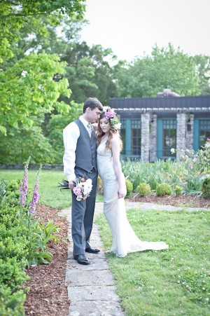 Vintage-Garden-Wedding-Inspiration-8