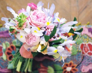 Watercolor-Wedding-Bouquet-with-Irises