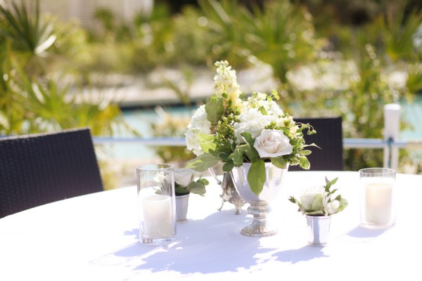 Elegant-Black-and-White-Wedding-Florals
