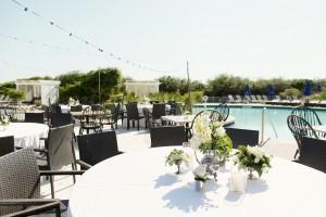 Elegant-Poolside-Florida-Wedding