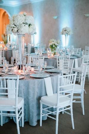 Elegant-Tall-Wedding-Centerpiece