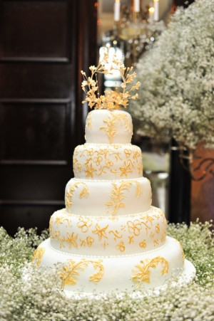Gold-and-White-Wedding-Cake