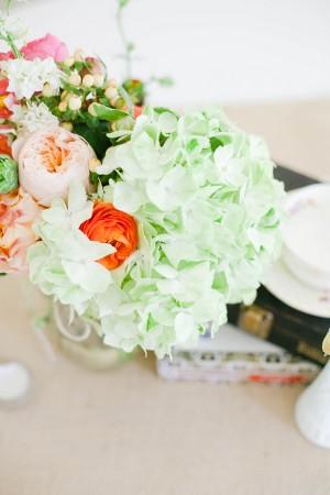 Hydrangea-Ranunculus-Centerpiece