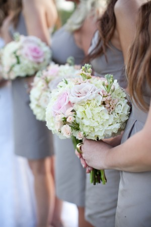 Hydrangea-Rose-Wedding-Bouquets