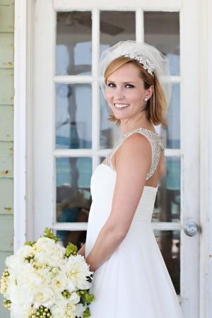 Short-Elegant-Wedding-Veil