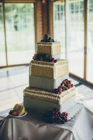 Striped-Berry-Wedding-Cake