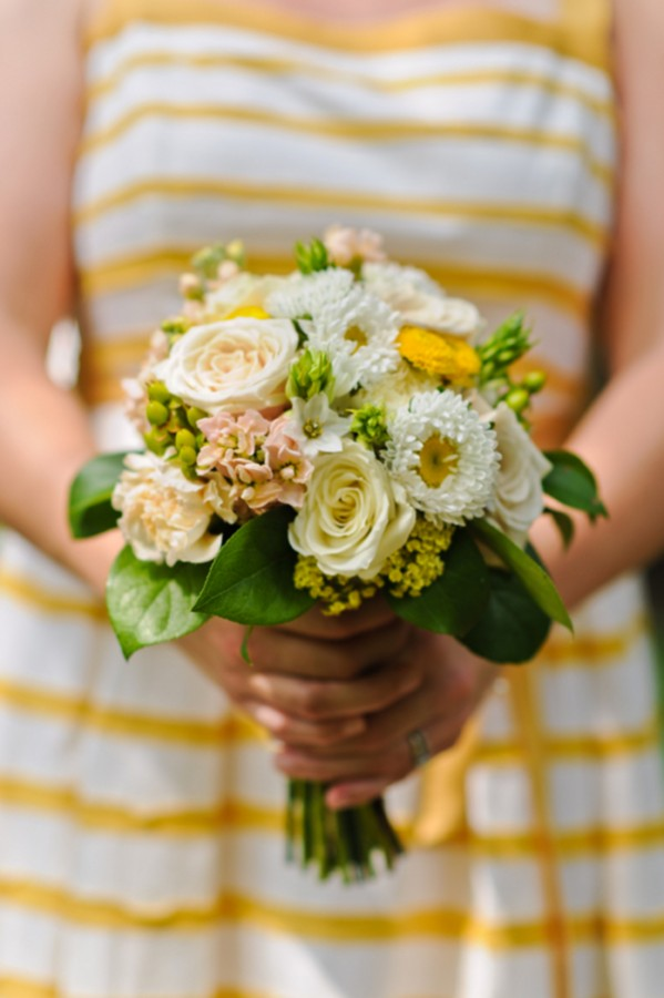 Summery-Bridesmaids-Bouquet