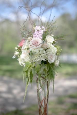 Tall-Trumpet-Vase-Wedding-Flowers
