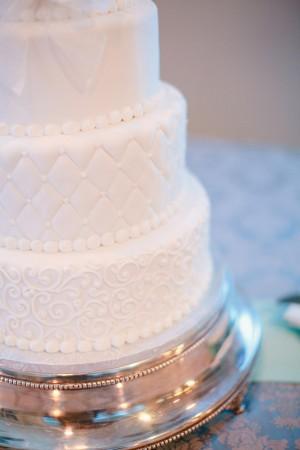 White-Fondant-Wedding-Cake