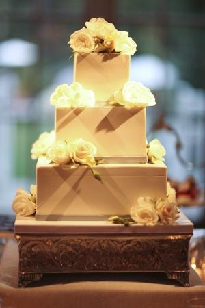 Elegant Modern Wedding Cake