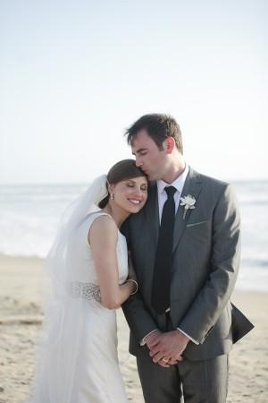 Naturally Chic Beachfront Wedding by Joielala 6