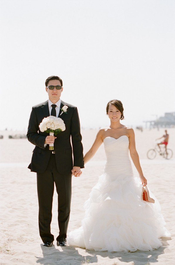 Sophisticated Black and White Wedding by Erin Hearts Court 10