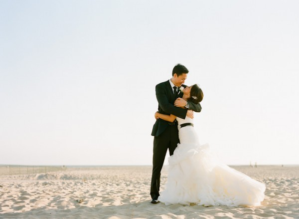 Sophisticated Black and White Wedding by Erin Hearts Court 6