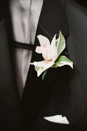 Elegant White Boutonierre1