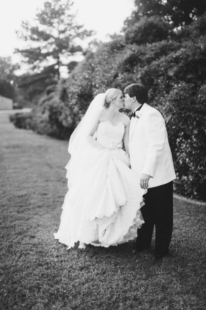 Soft and Elegant Texas Wedding by Jess Barfield Photography 2