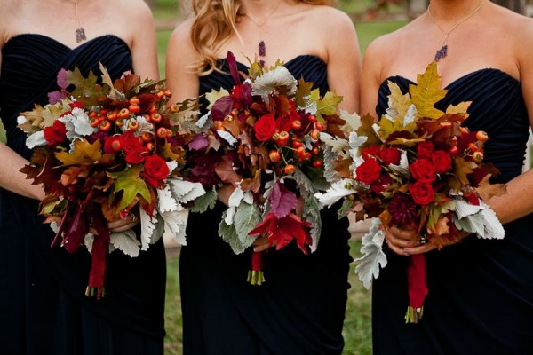 Bridesmaids Bouquets With Roses Berries and Leaves