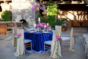 Elegant Fuchsia Gold Blue Tabletop