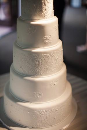 Elegant White Fondant Wedding Cake