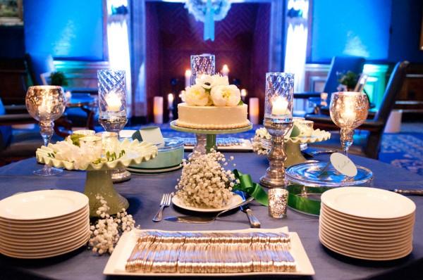 Simple Round One Tier Wedding Cake