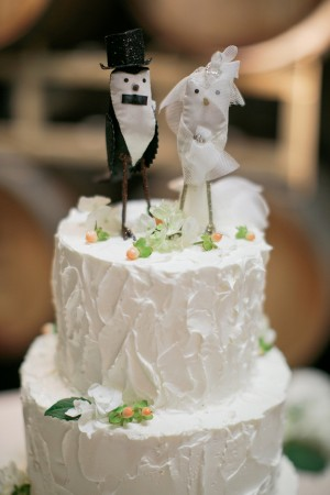 Three Tier Round Wedding Cake on Tree Trunk Stand 1