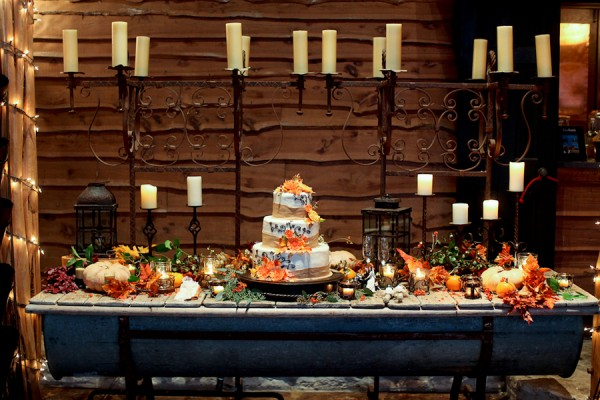 Fall Wedding Cake Display Idea