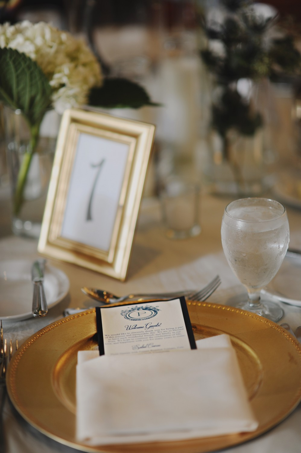 Gold Charger Place Setting & Gold Charger Place Setting - Elizabeth Anne Designs: The Wedding Blog