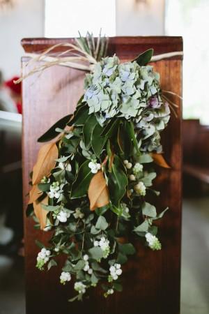 Hydrangea and Magnolia Leave Aisle Marker