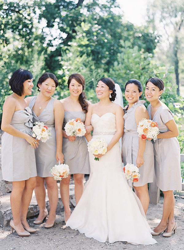 Knee Length Light Gray Bridesmaids Dresses
