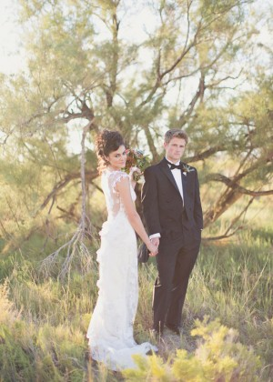 Lost Boys Wedding Inspiration Shoot by Alixann Loosle Photography and Petal Pixie 2