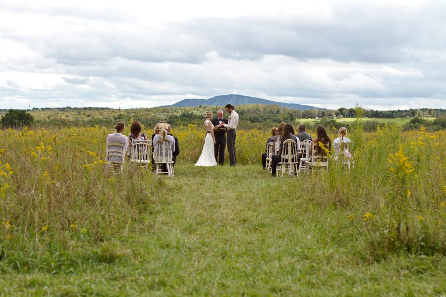Inspiration Outoor Ceremonies: Simple Outdoor Wedding Ceremony Ideas