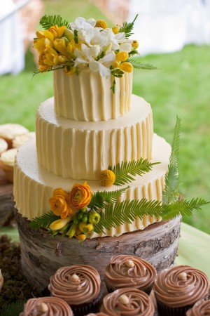 Three Tier Round Ivory Wedding Cake on Tree Stand