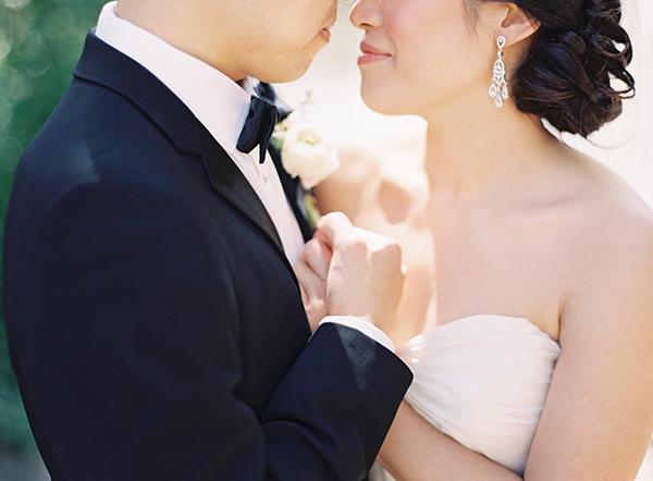 Wedding Couple Portrait by Clary Photo 2
