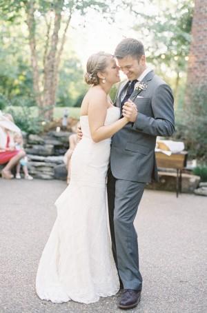 Bride and Groom Dancing4