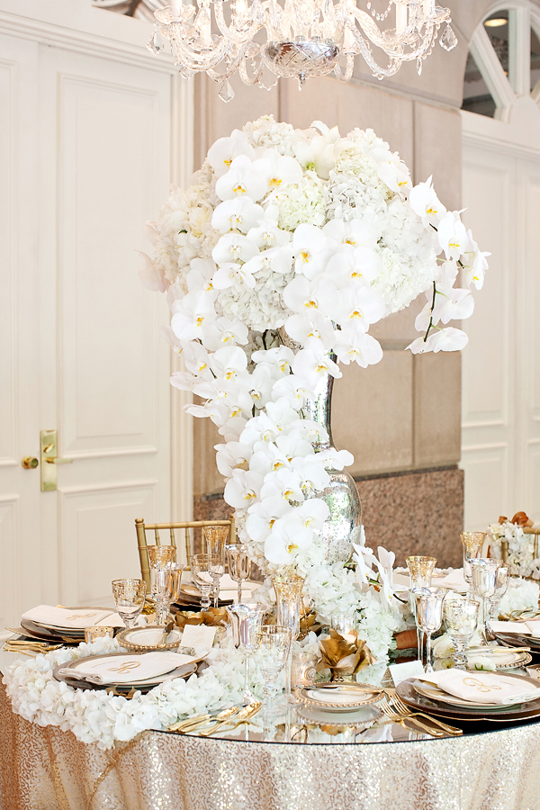 Glamorous Gold And White Wedding Tabletop From Perez