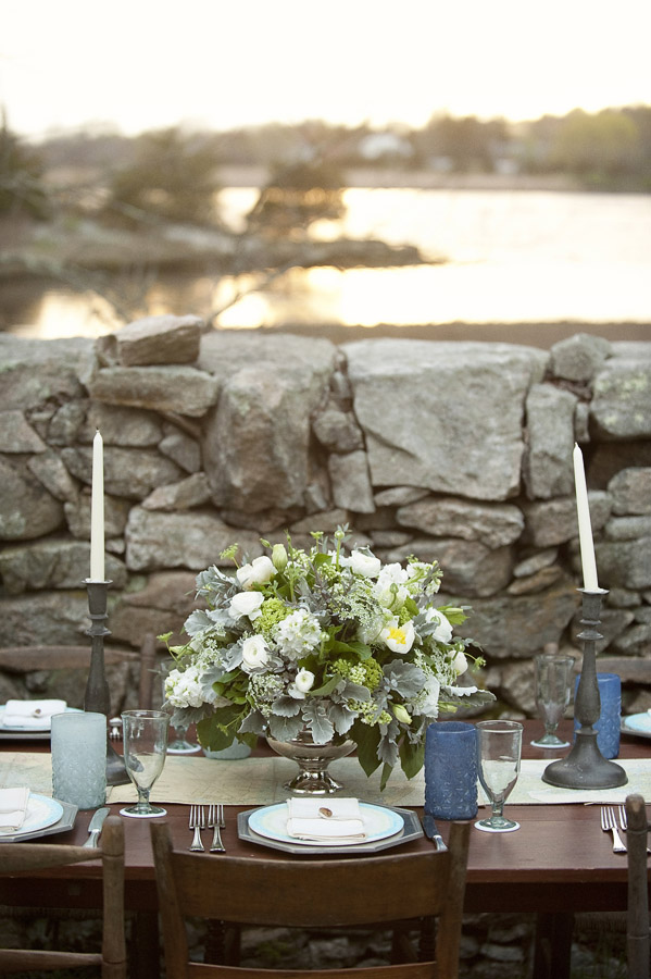 Gray Blue and White Outdoor Tablescape