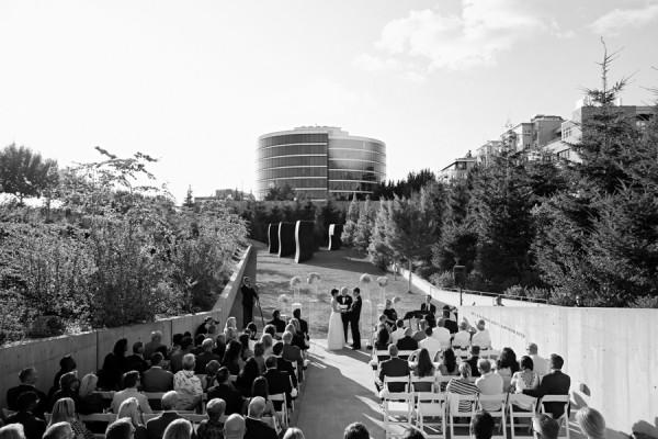 Modern Wedding Seattle Olympic Sculpture Park