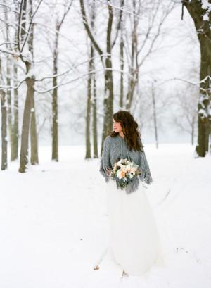 Winter Wedding Inspiration Shoot by Laura Ivanova