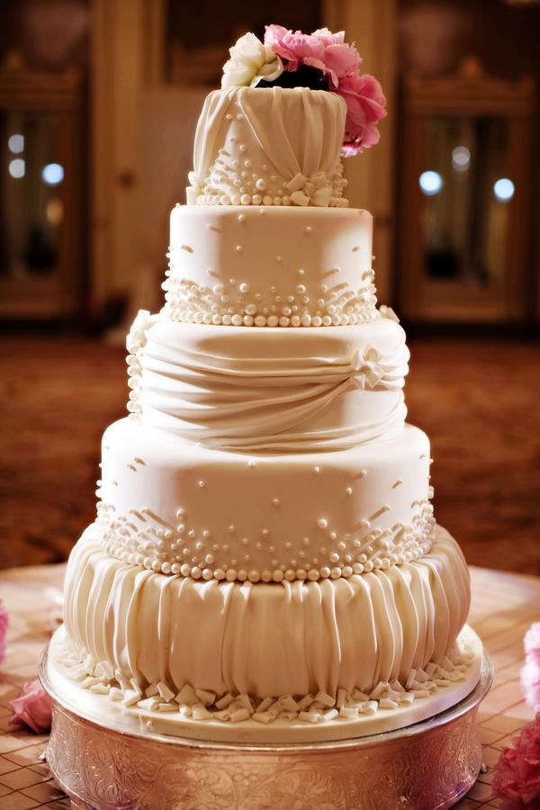 Ruffled Wedding Cakes Images